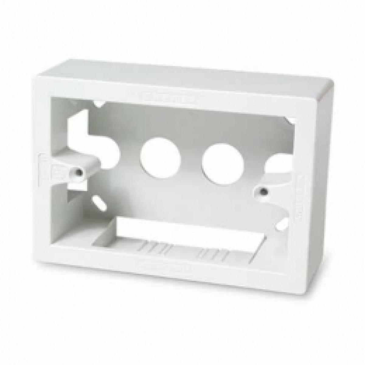 Scatola esterna universale 3 moduli bianca 00481 master